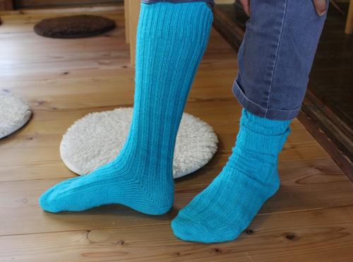 長い靴下はこんな感じ。